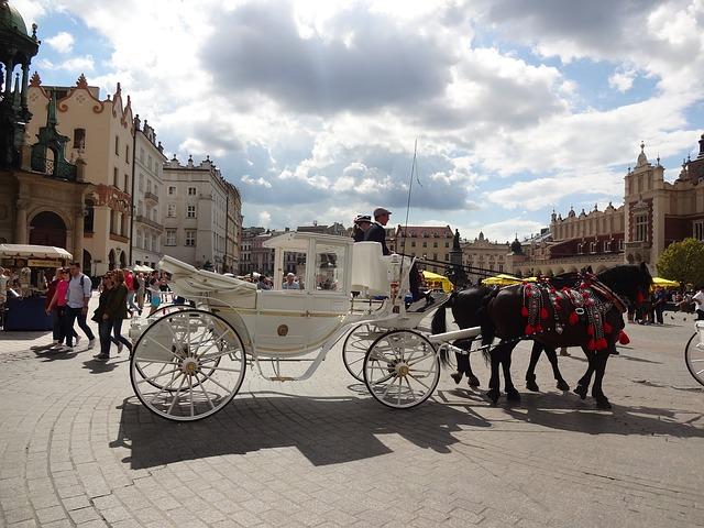 biała dorożka w Krakowie