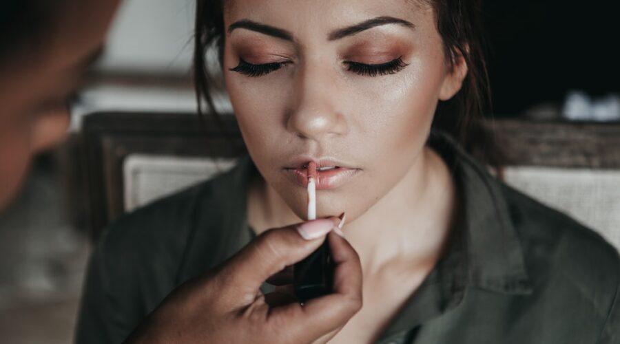 Próbny makijaż ślubny? Jak przygotować się przed ślubem?