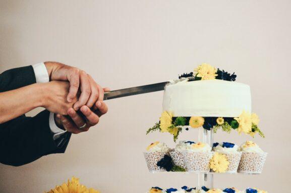 Tradycja krojenia tortu weselnego