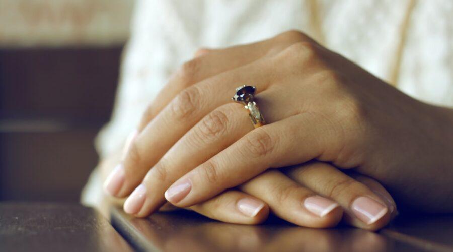 Paznokcie ślubne – jakie wybrać paznokcie do ślubu?